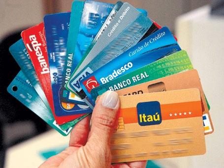 cartões - Hackers criam 'cartão mágico' para saques ilimitados