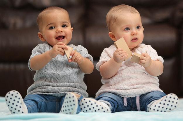 image25 - Mulher dá à luz gêmeas com tons de pele diferentes: 'ninguém acredita que são irmãs'