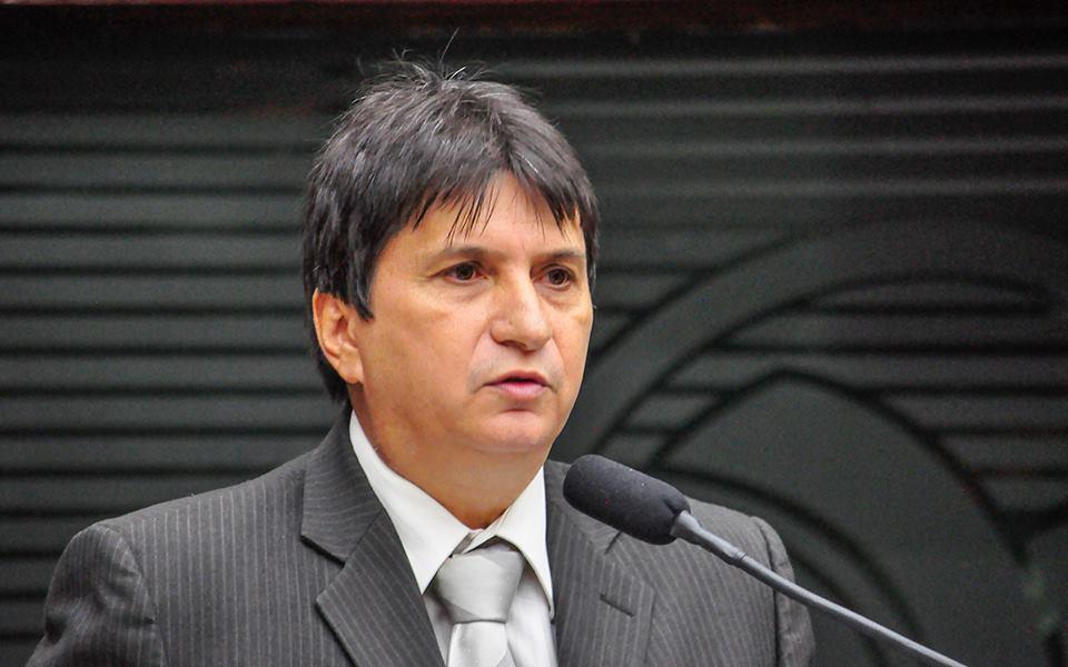 janduhy - Janduhy Carneiro pede licença parlamentar de 130 para cuidar da saúde
