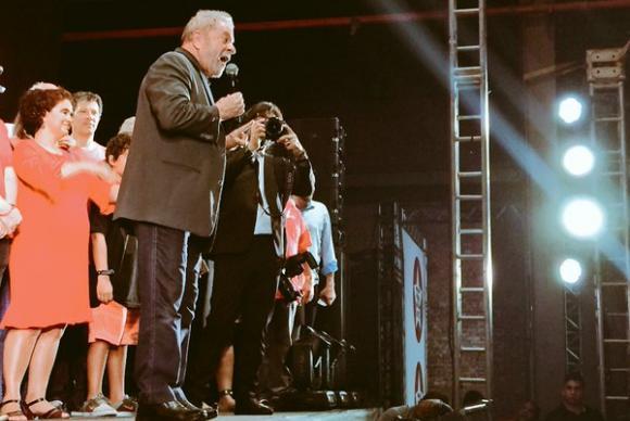 lula festa PT - Se precisar, serei candidato a presidente em 2018, diz Lula em festa do PT