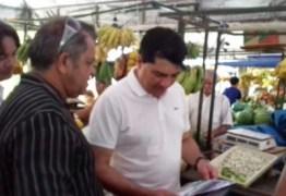 EM CAMPANHA: Manoel Junior ouve feirantes de Mangabeira e critica Cartaxo