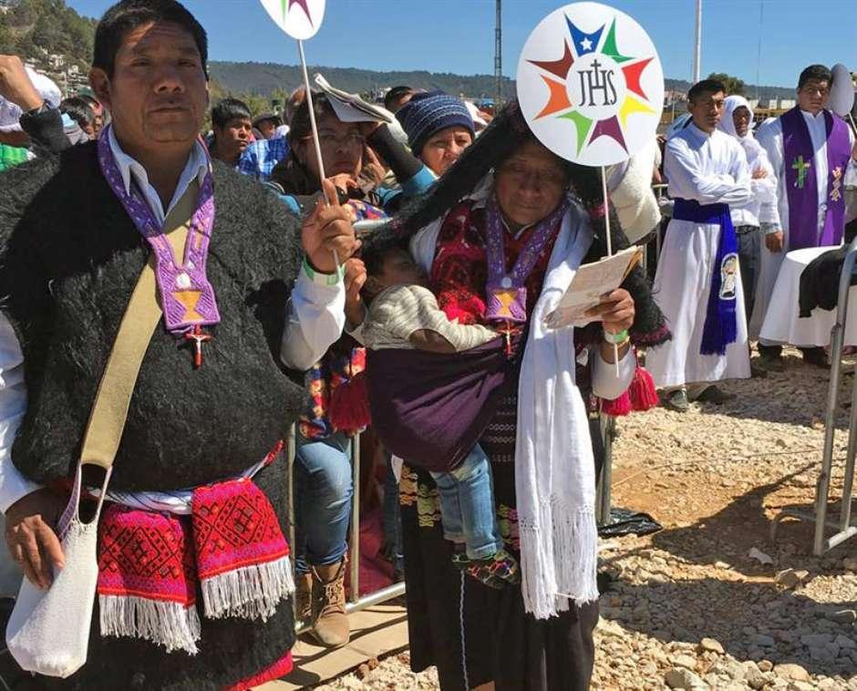 """papamexicoefe3 - No México, Papa pede perdão aos povos indígenas: """"tristeza"""""""
