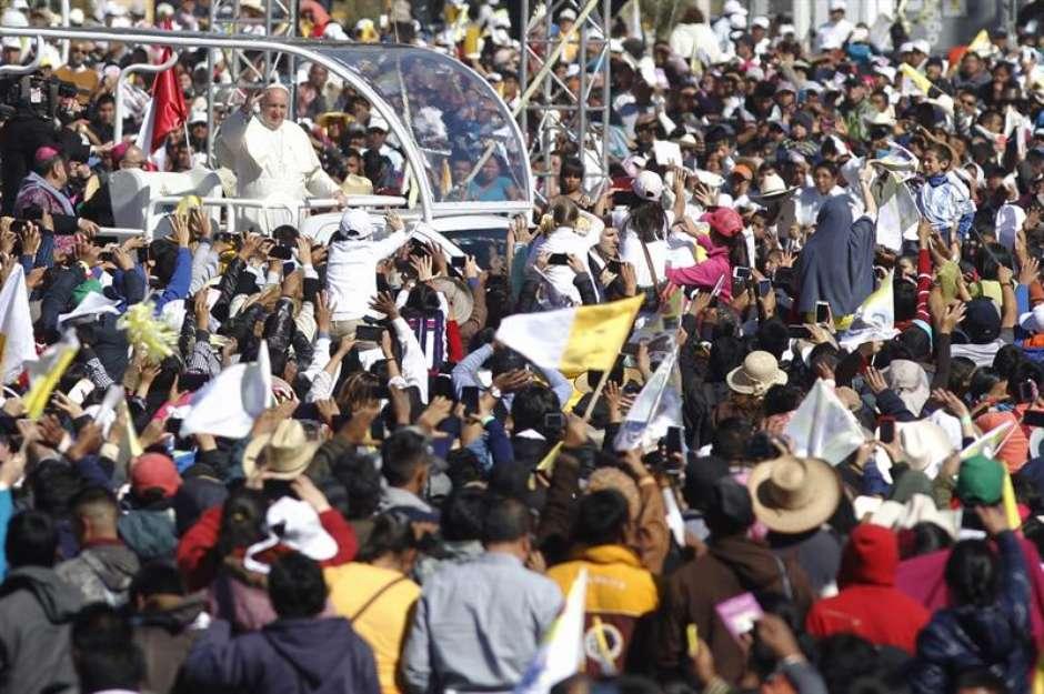 """papamexicoefe4 - No México, Papa pede perdão aos povos indígenas: """"tristeza"""""""