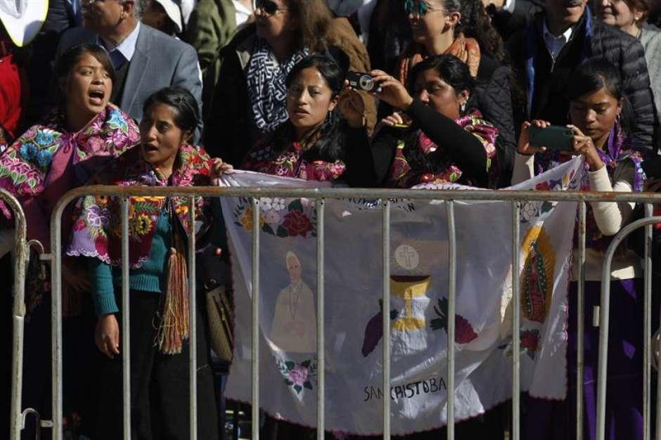 """papamexicoefe5 - No México, Papa pede perdão aos povos indígenas: """"tristeza"""""""