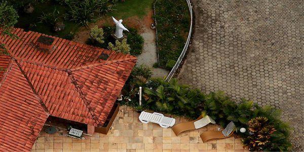 """sitio lula 2 - POLÊMICA: Drones sobrevoando o sítio de Lula em Atibaia e ele fica irritado pois, local """"não é dele"""""""
