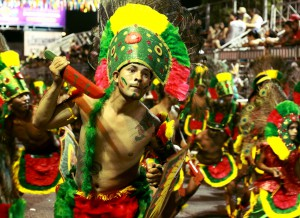 tribo indigena - Primeiro dia do Carnaval Tradição tem desfile das tribos indígenas