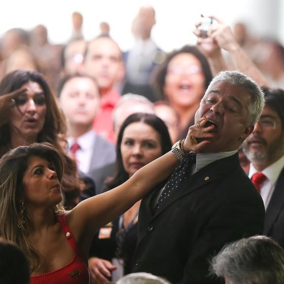6491882 high - POLÊMICA: Deputado agredido entra com notícia-crime contra servidora do Planalto na PGR