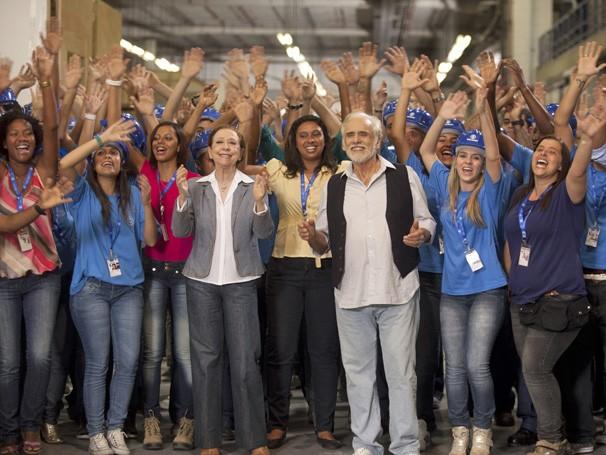 Artistas globais - Globais entregam abaixo-assinado ao diretor geral Carlos Henrique Schroder