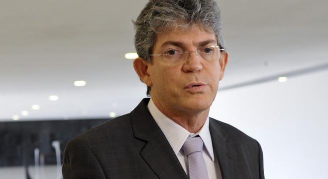 RICARDO GOV. 4 e1457798225671 - RC cobra atitude de Dilma, critica postura da Midia e ironiza PSDB/Cássio