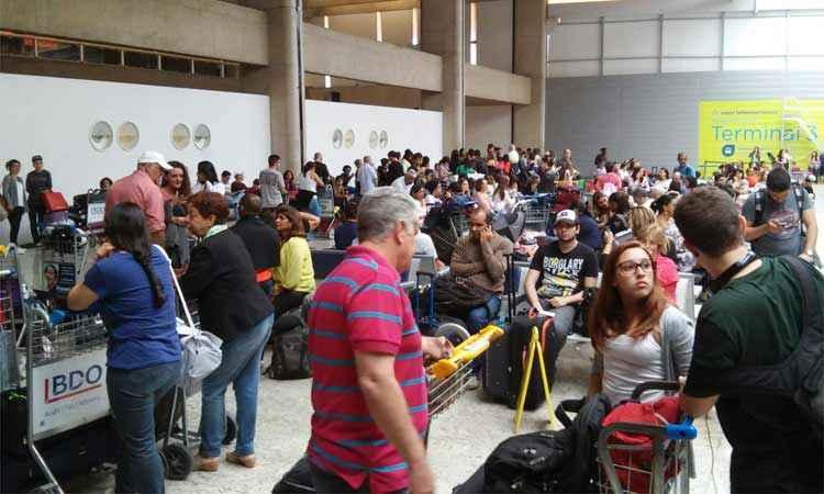 aeroporto - Anac vai cobrar taxa extra por bagagem em viagens de avião a partir de 2018