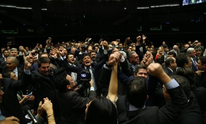 comissão do impeachment - Câmara elege comissão especial do impeachment de Dilma; veja os nomes