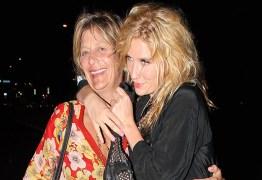 POLÊMICA: Mãe da cantora Kesha faz relato sobre abusos cometidos por produtor da artista