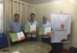 Prefeitura de Santa Rita renova convênio com Instituto Alpargatas