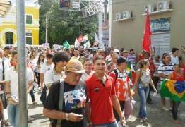 Ato 'Pró-Democracia' em Cajazeiras conta com 1200 participantes