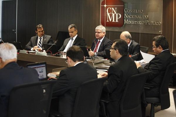 """sessao MG 4464 - POLÊMICA: MPF avalia pedido de prisão de Lula como """"loucura"""""""