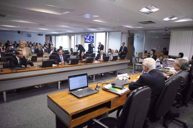 ccj senado - CCJ do Senado aprova distribuição de recursos de combustíveis igualmente para entes públicos