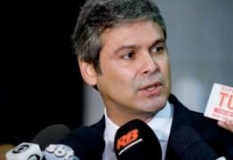 Lindbergh Farias denuncia 'golpe de classes liderado pela elite brasileira'