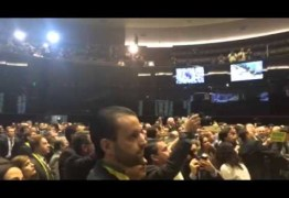 VEJA VÍDEO: abertura da sessão do impeachment é marcada por confusão