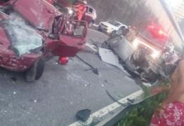 ACIDENTE NA BR 230: Motorista do veículo vermelho morre na manhã desta quarta