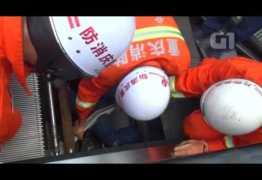 Homem é engolido por escada rolante durante manutenção – VEJA VÍDEO