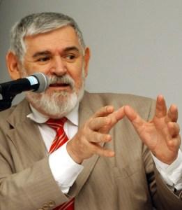 luiz couto 261x300 - Luiz Couto decide não participar de Congresso do PT como sinal de protesto
