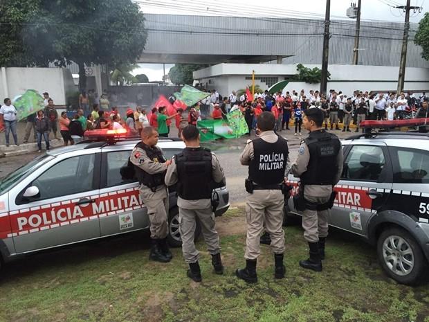 protestos onibus joao pessoa - Ônibus voltam a circular após protestos, mas BR's seguem interditadas - VEJA VÍDEO