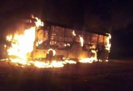 CAOS EM NATAL: Pelo menos 20 veículos (ônibus e carros) foram incendiados – VEJA VÍDEOS