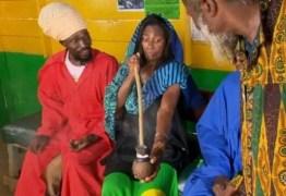 Glória Maria fuma maconha em ritual na Jamaica e vira trending topics no Twitter