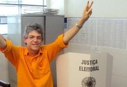 TRE absolve Ricardo Coutinho das acusaçãos de usar máquina para comprar votos