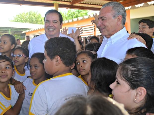 """temer5 1NML3OH - Com custo de R$ 2 bilhões ao ano programa """"Criança Feliz"""" é lançado por Temer"""