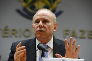Guido Mantega Anfavea air bags e ABS 7968 300x199 - Mantega foi preso e liberado: 'isso é treino para prender Lula?' - Por Bajonas Teixeira