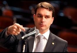 Pelo menos outros oito funcionários do gabinete teriam transferido dinheiro para assessor de lávio Bolsonaro, aponta COAF
