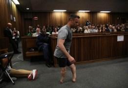 Oscar Pistorius é levado a hospital com ferimentos nos pulsos