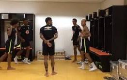 Só na coreografia! Neymar e Marcelo comandam dancinha no vestiário – VEJA VÍDEO