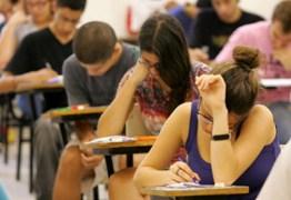 Estudantes federais têm desempenho ótimo, mas governo Temer ignora