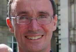 Bispo anglicano revela ser gay; não interfere em suas funções, diz igreja