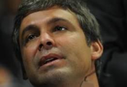 POLÊMICA: Senador paraibano escapou de ser assassinado ontem por um fanático de direita – Por Paulo Nogueira