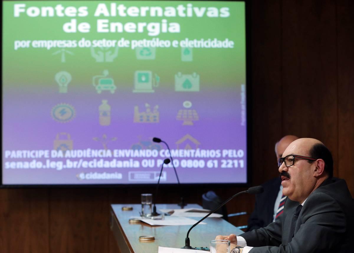IMG 1351 - VEJA VÍDEO: Senador DECA debate estímulo à pesquisa de energias alternativas em comissão do senado
