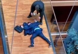 """VEJA VÍDEO – Deputado fica em estado grave após levar soco de """"colega"""""""