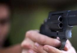Criança de seis anos morre após ser baleada durante briga de trânsito