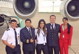 Comissária que sobreviveu ao acidente com avião da Chapecoense publica foto com colegas
