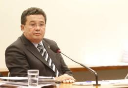 ESCÂNDALO: Ministros do TCU passam até um terço do ano viajando com dinheiro público
