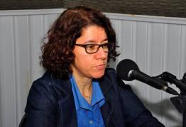 MUDANÇA: Cláudia Veras assume a Secretaria de Estado da Saúde no lugar de Roberta Abath