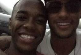 Robinho posta fotos inéditas com Neymar e celebra a amizade