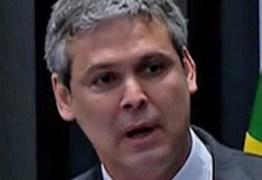 Ministro manda arquivar inquérito contra senador paraibano na Lava Jato