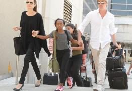 Mãe biológica quer reencontrar filha adotada por Jolie e Pitt