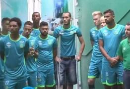 Com zagueiro Neto de muletas, Chapecoense apresenta time para 2017