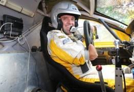 A incrível história do piloto sem braços e pernas que compete no Rali Dakar