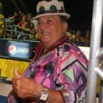 genival lacerda pula carnaval em camarote 18212 1329533887491 956x500 - Cantor Genival Lacerda sofre AVC e é hospitalizado no Recife