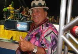 Cantor Genival Lacerda sofre AVC e é hospitalizado no Recife
